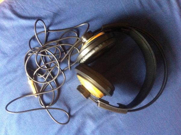 AKG AKG K-141 Monitor fejhallgató - HANGMESTER.HU - Ennyi ... 0481ad30f4